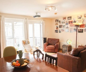 Bright family-sized apartment. Central and Spacious